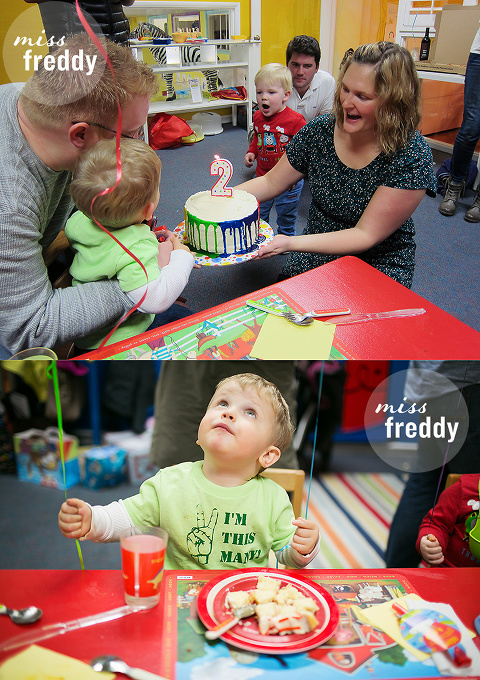 Wow!  A cute & simple toddler birthday party... such a good idea to have it at an art studio!