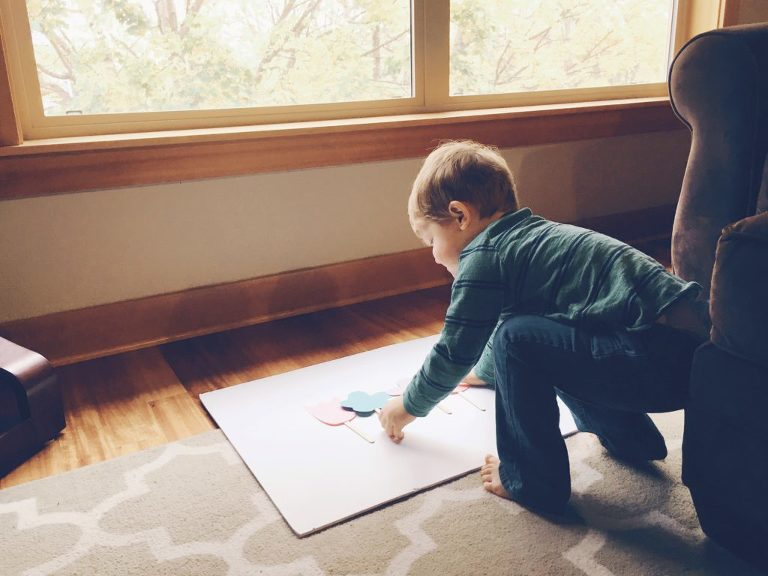 Tips for preserving child artwork with your phone, Instagram, and the super fun Chatbooks app! PLUS, get a code for a FREE Chatbook!